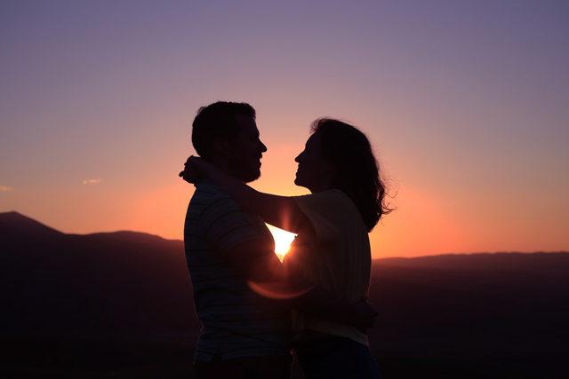 केसे आप अपने रिश्ते में विश्वास बनाएं?