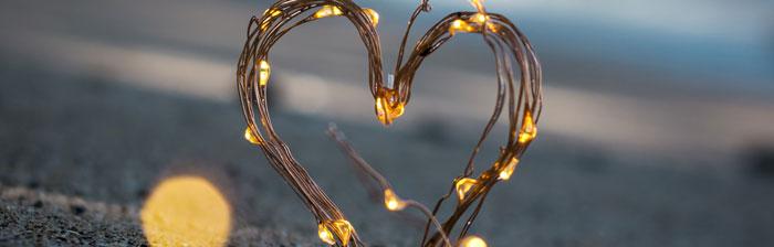 प्यार सबसे शक्तिशाली भावनाओं में से एक है जिसे मनुष्य अनुभव कर सकता है। प्रेम गहन स्नेह की शक्तिशाली और निरंतर अनुभूति है। प्रेम स्वाभाविक रूप से स्वतंत्र है और इसे खरीदा, बेचा या कारोबार नहीं किया जा सकता है!  प्रेम क्या है, उसके बारे में Kaldan ने अपने नए ब्लॉग में विस्तार से बात की है। ब्लॉग पढ़ें और अपनी भावनाओं को साझा करें।